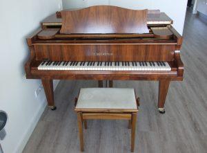 Piano Voorzijde Pianospuiterij